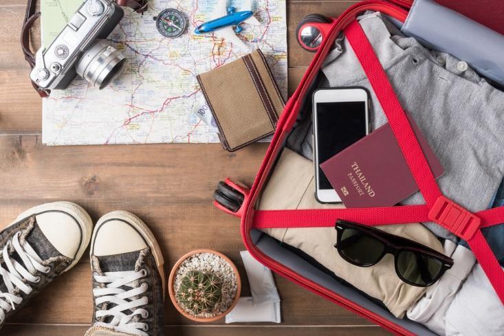 Truques para organizar a bagagem de mão poupam tempo e espaço